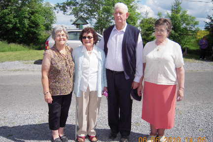 Maureen Lyons Corrolough, Sarah Agnes Lennon who is the last surviving member of the Egan Family who operated Templetogher Mill, Paddy Forde Moneen, President of Williamstown Heritage Society and his wife Lena