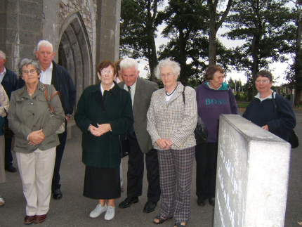 2007 at W B Yeats grave in Drumcliffe, Sligo Maureen Lyons, Paddy Forde, Margaret Gannon, Johnny Collins, Bridget Mee, Mauren Mitchell and Mary Kearns